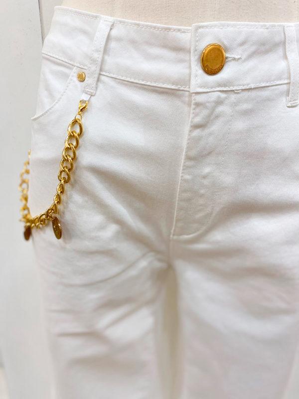 pantalon blanco cadena
